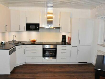 Gernlinden: schöne 2,5 Zimmer Wohnung für 1 Person (Wohnen auf Zeit oder WE-Heimfahrer)