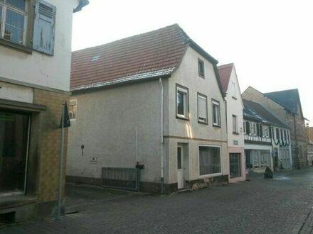 Interessantes Haus mit 6 Zimmer zu verkaufen