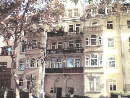 sanierte Eigentumswohnung mit Balkon (Denkmalschutz)