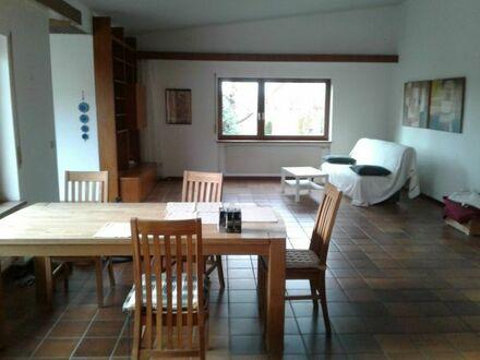 Schöne Hauptwohnung in Einfamilienhaus / Bungalow mit großem Garten in Römerberg-Berghausen