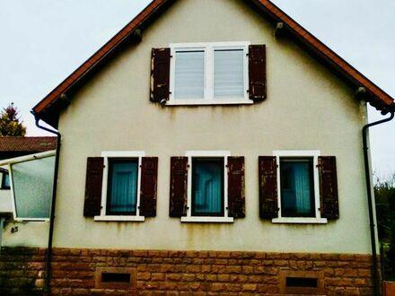 freistehendes Einfamilienhaus in Kleinkarlbach mit Hof und Garten