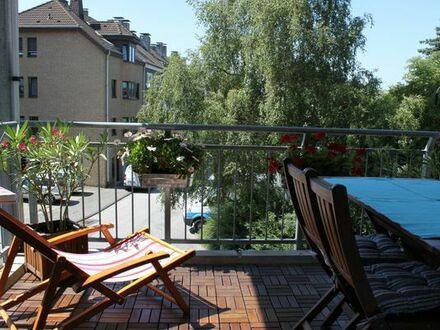 Gut geschnittene 3 Zimmer Wohnung mit 2 Balkonen am Fuße des Ehrenberges
