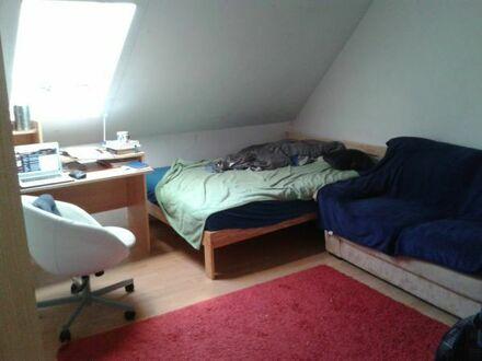 Zimmer in WG, DG-Wohnung