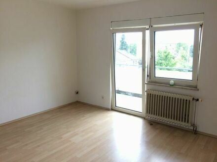 Günstig gelegene, 1 ZKB Wohnung mit Aufzug (Kurt-Schumacher-Str. 35)