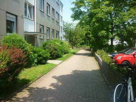 Helle 45qm 1-Zimmer Wohnung in UNI/FH Nähe, Balkon, EBK, PKW-Stellplatz, Teilmöbliert usw.