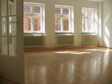 Große, helle 3-Zimmer-Wohnung in der Altstadt von Dinkelsbühl