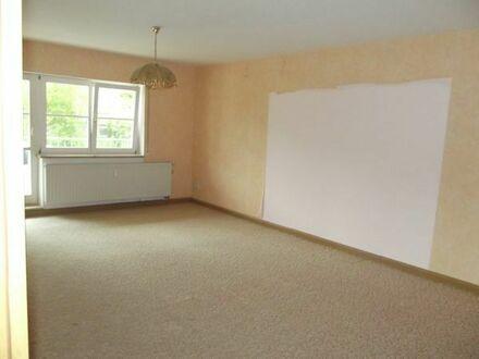 2-Raum-Wohnung mit Balkon und Badewanne, 76 m2, in 08228 Rodewisch