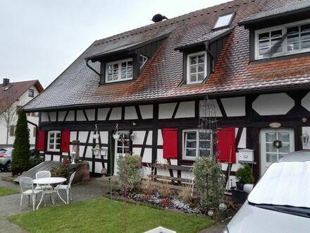 Zwei Eigentumswohnungen in einem Haus