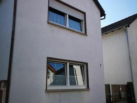 Einfamilienhaus mit Anbau in Haus/Hofbauweise in Haßloch