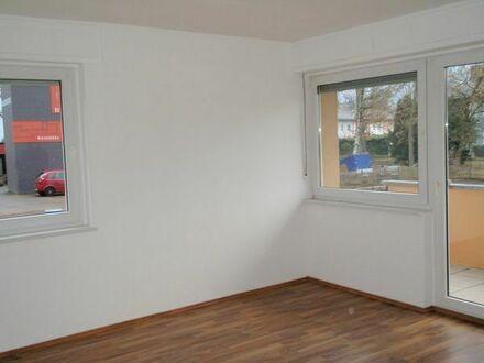 """""""Sommerangebot"""" ab 15.07.19 renovierte 4 - Zi.- Wohnung mit Balkon, in Co.-Brauheck"""