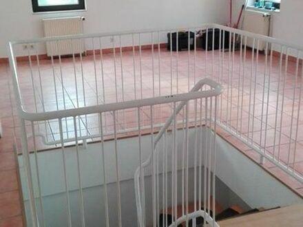 4 Zimmer Maisonette Wohnung in Erdgeschoss mit EBK Doppelstöckig