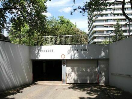 Tiefgaragenstellplatz am Ostpark, fussläufig zu U-Bahn zu vermieten