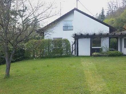 Einfamilienhaus mit großen Garten zu vermieten