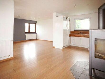EG Wohnung Kamin, Einbauküche, Balkon, Garten- 10 min nach S-Bahn