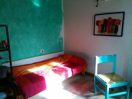 ruhiges, möbliertes Zimmer, 450EUR warm an WE-Heimfahrer!