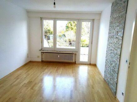 Helle 2-3 Zimmerwohnung mit großem Balkon in Meerbusch Osterath
