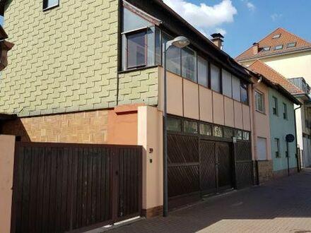 Mehrfamilienhaus mit seperater Einliegerwohnung