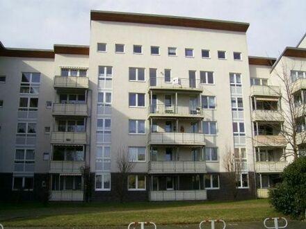2-Zi.-Whg. mit Fahrstuhl / Balkon und Außenrollläden