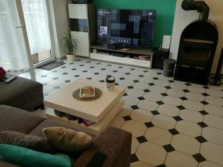 Attraktive 3,5-Zimmer-Maisonette-Wohnung mit Balkon/Dachterasse und Einbauküche in Eckental/Forth