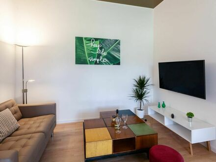 Neu renoviertes - vollmöbliertes Premium-Apartment mit bester Anbindung