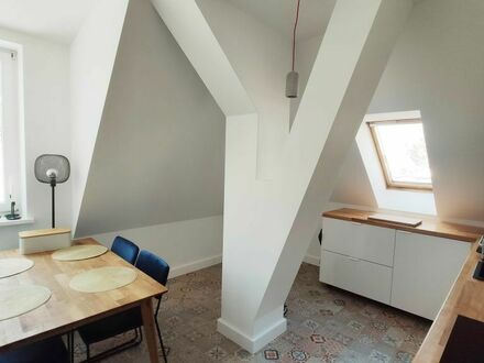 Ruhige, lichtdurchflutete Dachgeschosswohnung in Reinickendorf