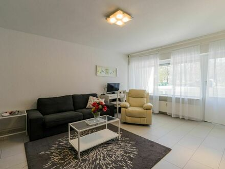 Geräumige 2-Zimmer-Wohnung mit Balkon und tollem Ausblick in Westend nahe der Havel!