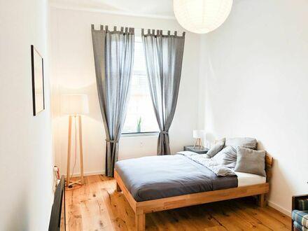 Helles, modernes Altbau-Apartment in zentraler Lage mit Balkon&Garten (Fast Wifi)
