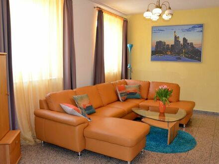 Familien willkommen: Große, helle und ruhige Wohnung an der U5