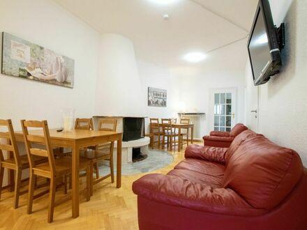 Tolstov-Hotels 4 Zimmer Villa Apartment mit Balkon