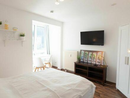 Möbliertes Apartment mit Boxspringbett am Ponttor