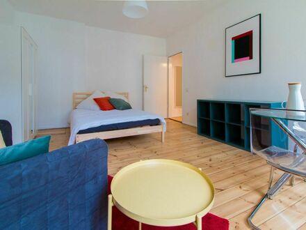 Geräumige, bunte 1-Zimmer-Wohnung in Prenzlauerberg