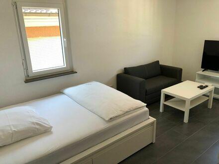 Business Studio Apartment 2 mit kleiner Terrasse