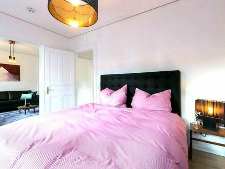Moderne, helle 2-Zimmerwohnung in einer Villa