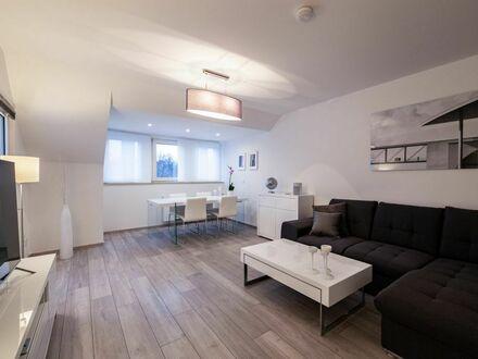 Schickes Studio mit Dachterrasse in Köln am Flughafen
