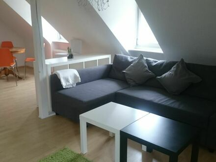 Stuttgart Halbhöhenlage: sonniges 2-Zimmer Apartment mit Blick über das Neckartal