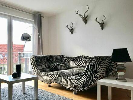 4 Room Business Maisonette Wohnung über 2 Etagen mit 2 Bädern, Fussbodenheizung, Tiefgaragenplatz und Balkon