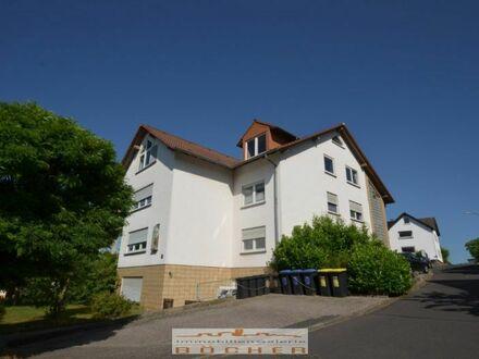Große 3ZKB-Etagenwohnung in Kalbach zu vermieten.