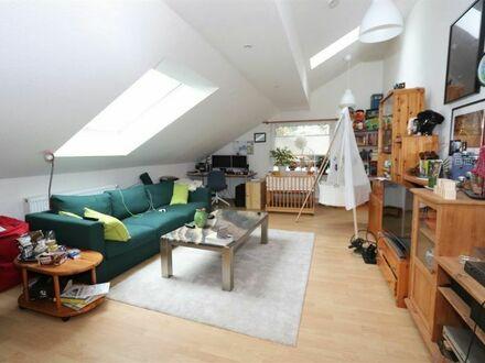 Moderne Dachgeschosswohnung im Zentrum von Wehrda!