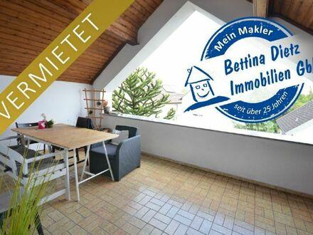 DIETZ: Helle und gepflegte 3-Zimmer-Dachgeschosswohnung mit 20qm Dachterrasse!