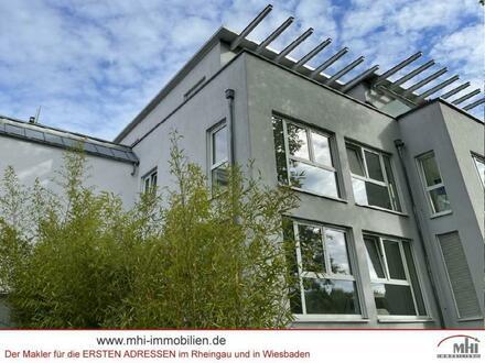 Großzügige, moderne Stadtvilla mit Terrasse, Balkonen und einem traumhaften Garten in Spitzenlage - Wiesbaden-Sonnenber…
