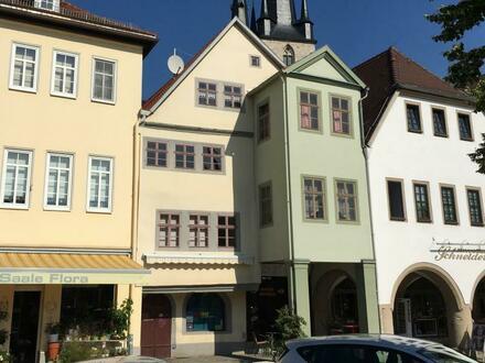 Denkmalgeschützte Wohn- und Geschäftshäuser am Markt