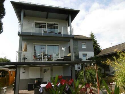Gepflegtes Zweifamilienhaus in Bad Emstal - Sand