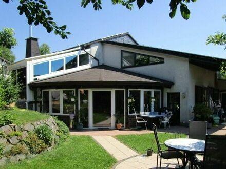 Dieses Haus lässt Wohnträume wahr werden - Wellness inklusive - auch für 2 Familien geeignet - zzgl. Photovoltaikanlage