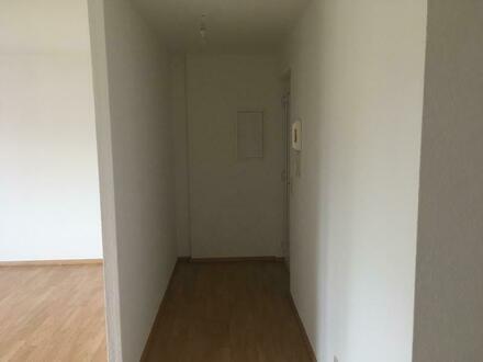 moderne 3-R-Wohnung mit Süd-Balkon im 1.OG eines 6-Familienhauses sucht neue Eigentümer zur Selbstnutzung