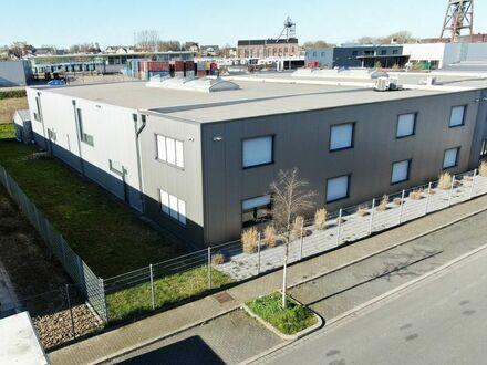 Repräsentatives Firmengebäude - Lager-/Produktionshalle mit Büro