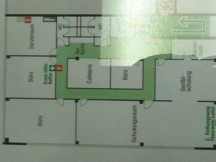 Repräsentative Büroetage ca. 350 m² mit Küche und Aufenthaltsbereich