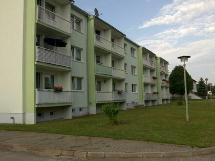 kleine 1-Raumwohnung mit Balkon und separater Küche in Guthmannshausen