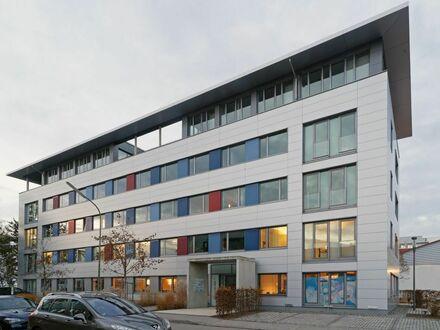 Moderne helle Bürofläche und KFZ-Stellplatz ab 01.07.2021