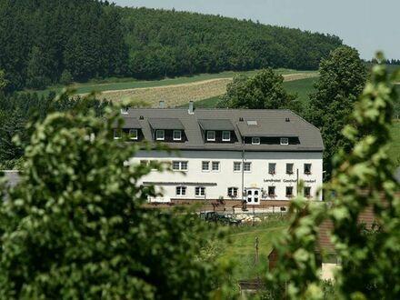 Traditionsreiches Landhotel auf ca. 4100 m² Grundstück in reizvoller Touristik-Region Erzgebirge