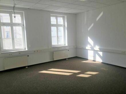 Vielseitige Büroetage in bevorzugter City-Lage - Nähe Galeria Kaufhof - Bahnhof 8 Gehminuten